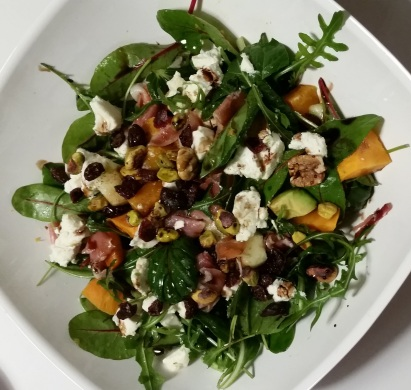 Ingredients: baby salad leaves, oven roasted sweet potato, melon, avocado, Serrano ham, chevre, nut mix (pecan, pistachios and cranberries). Seasoned with salt, pepper, mango vinegar and aged balsamic.