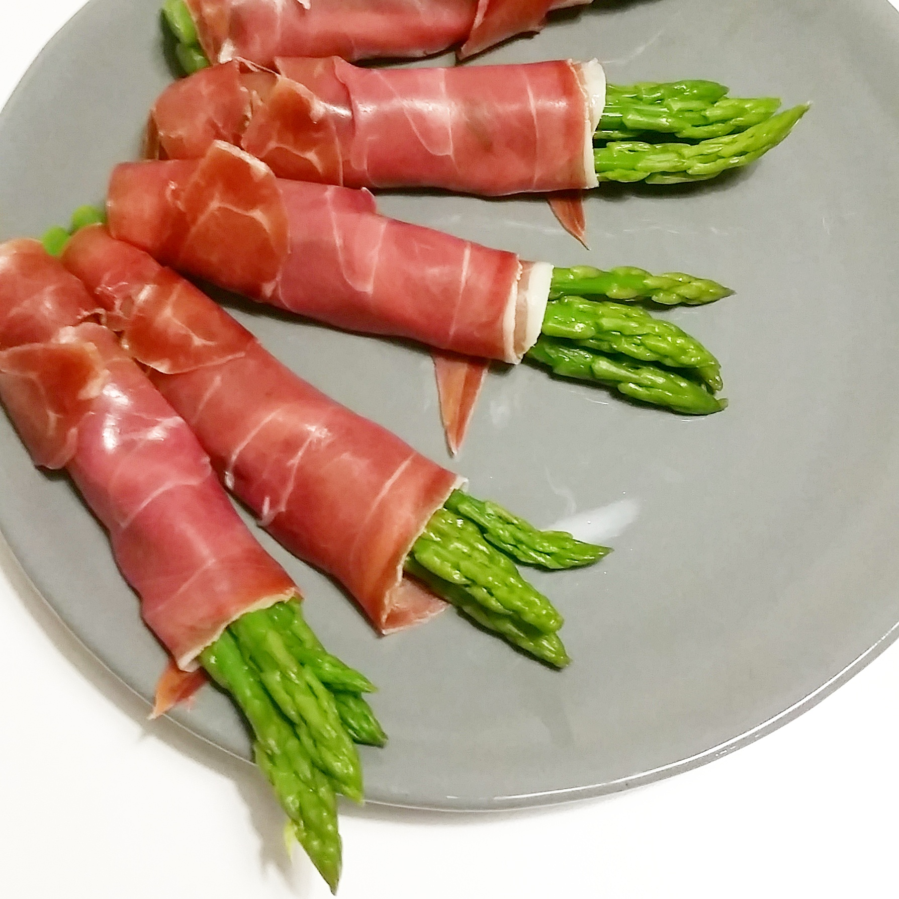 Asparagus Wrapped In Serrano Ham Recipe — Dishmaps